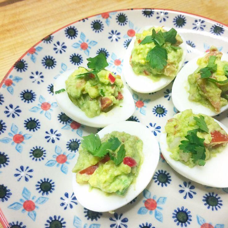 Recept gevulde eieren met guacamole  - Powered by @ultimaterecipe