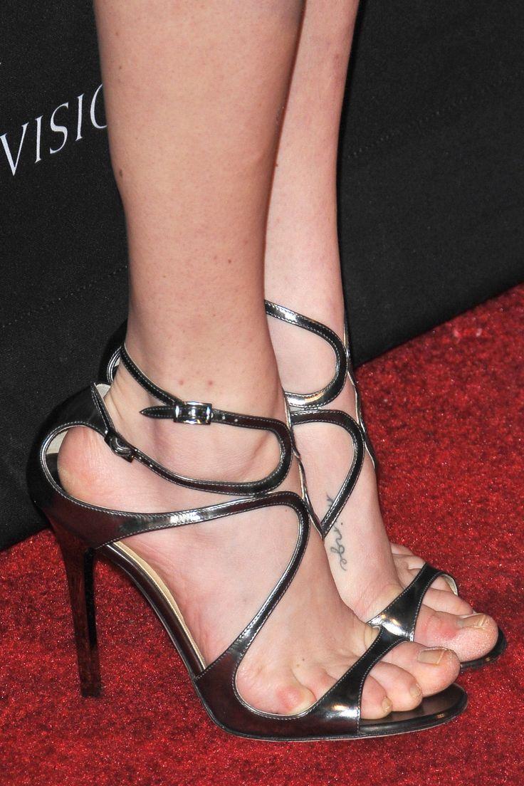 Amanda Seyfried's Feet << wikiFeet