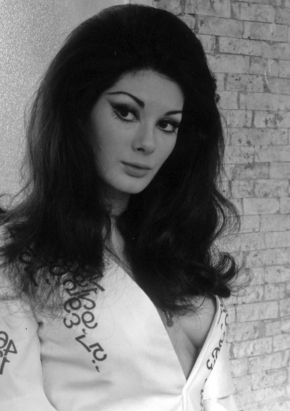 41 Best images about Edwige♡ on Pinterest | Boho hippie ...