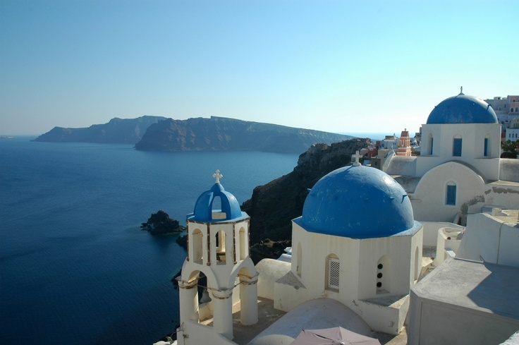 A picturesque day in Santorini
