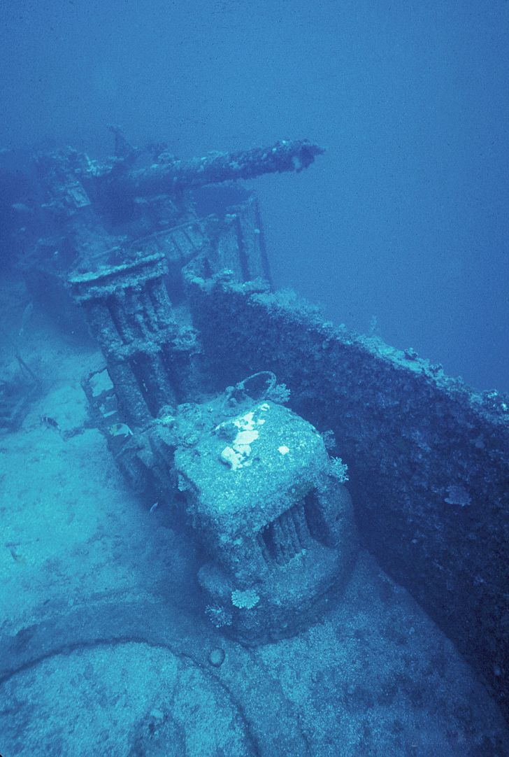Wreck of the USS Saratoga (CV-3) 1981 forklift x