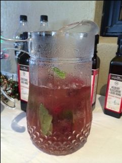 Raspberry Mojito Iced Tea....Use Javita lean & green tea to make this a healthier version