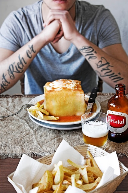 Francesinha (little french girl) the queen of portuguese sandwiches, all the way from Porto. © Mónica Pinto