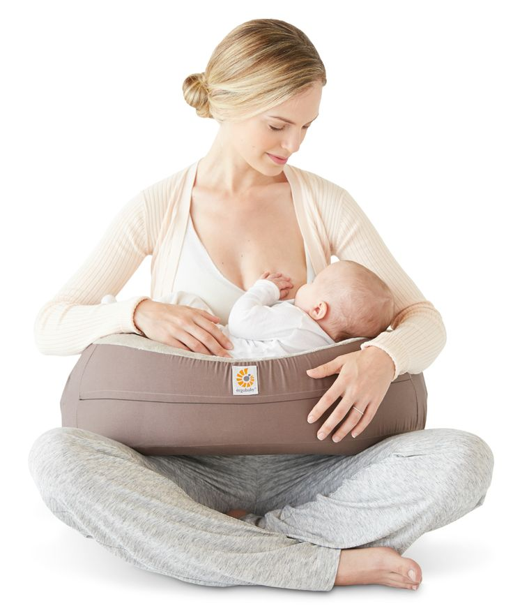 Love that @Ergobaby's new Natural Curve Nursing Pillow is contoured for comfort for mom and baby!