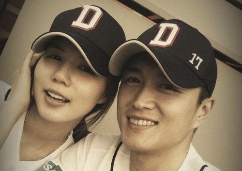 """Nam diễn viên phim Hãy Nắm Tay Em """"Tôi sẽ kết hôn với Park Si Eun"""""""