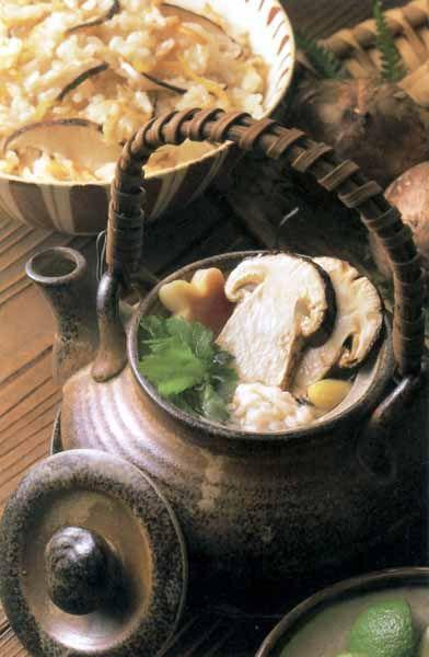 松茸の土瓶蒸し Dobin-mushi with matsutake mushroom