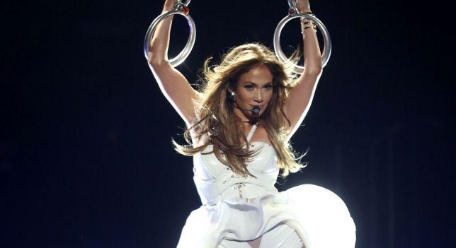Jennifer Lopez a déchiré son pantalon au niveau de son postérieur tout en étant sur scène à Las Vegas