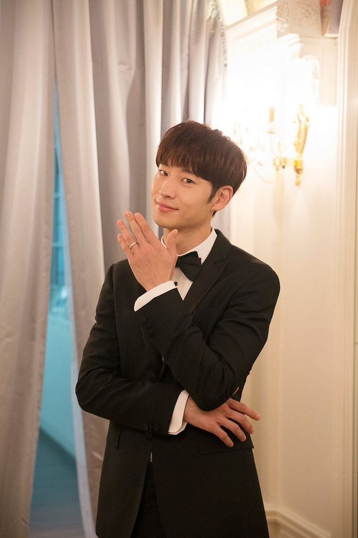 """_jehoonie on Twitter: """"This guy is a born actor! I love how he's so effortless n acting out scenes. Will be watching his intense works. #TomorrowWithYou #LeeJeHoon https://t.co/zFkhGeop4f"""""""