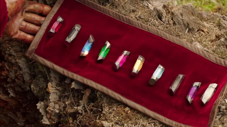 I searched for power rangers dino supercharge energems images on Bing and found this from http://www.powerrangerplanet.org/forum/discussion/624/power-rangers-dino-charge
