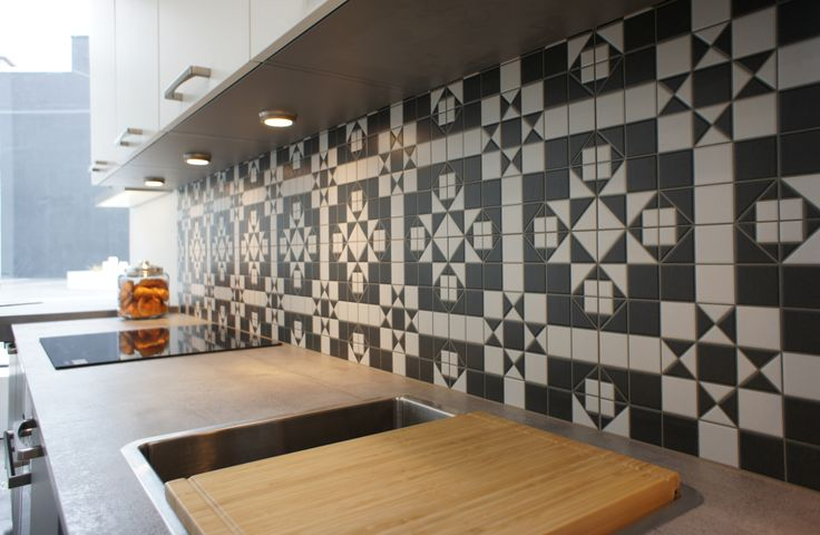 The Harrow Grafito tile from Tile Space Parnell makes for a gorgeous splash back at Palazzo Kitchens