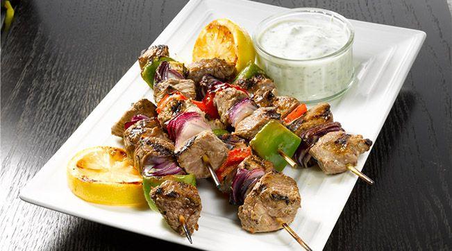 Kebab di #agnello #irlandese alla greca. Ricetta: https://www.facebook.com/photo.php?fbid=375659862535906=pb.202005426568018.-2207520000.1375262303.=3