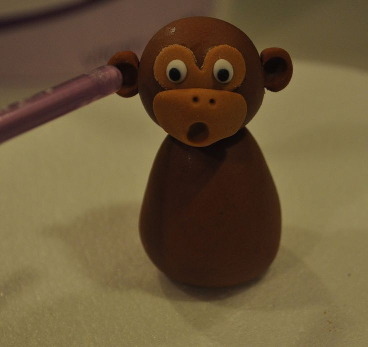 Free Cake Info: How to Make a Fondant Monkey