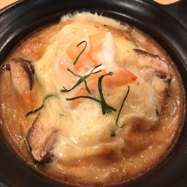 WEBSTA @ saporin_0109 - 昨日のお料理たち🍳ホーモック(タイ風茶碗し)牛すじと新じゃが煮込みホタルイカのマリネチーズ🧀ホーモックは海老やら蟹やらが入っていて、ココナッツとタイの香辛料が香るどストライクな一品でした♡タグがあってびっくり。アスパラがX字になってますが、おじさん(夫)はこれからX JAPANの映画を観に行くそうです。そして私は当直です、すなわち休肝日👼 #明けからの昼飲みを楽しみに#ひねもすのたり #日本酒#燗酒 #ホーモック#茶碗蒸し#海老#牛すじ煮込み#煮込み#新じゃが#アスパラ#ホタルイカ#チーズ#sake #egg#meat#potato#japanesefood #salad #healthyfood #seafood #shrimp #cheese #tokyo