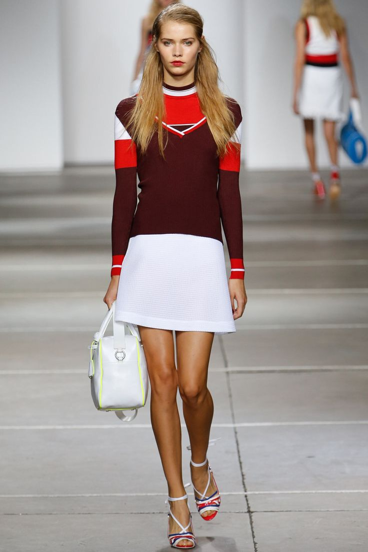 See the complete Topshop Unique Spring 2015 Ready-to-Wear collection.