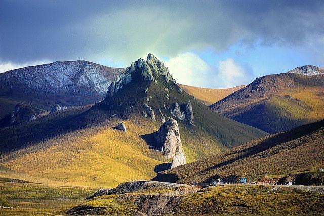 Tibet བོདon the Tibetan Plateau བོད་མཐོ་སྒང by reurinkjan, via Flickr