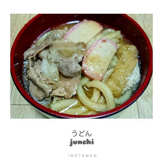 . 天かす たっぷり ダシと醤油で グツグツ煮込んだ 純さんならではのうどん(˘ω˘)♡ .  #うどん #肉 #かまぼこ #油揚げ #ネギ #天かす #たっぷり #煮込み #純さん #ならでは #美味しいよ #料理 #料理好きな人と繋がりたい #和食 #japanesefood #cook #cooking #instagram #instacooking #instagood #instalike #like4like #like4follow #followme