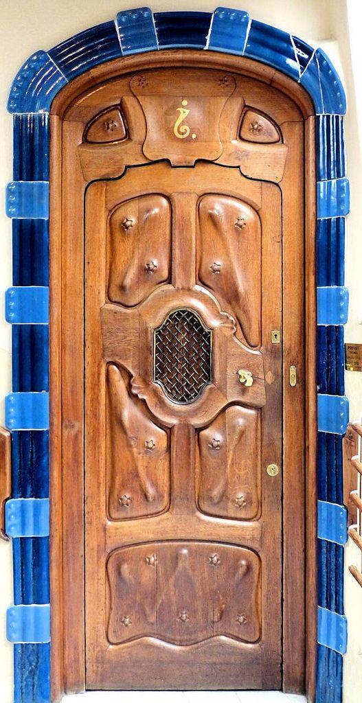 Casa Batlló 1904-1906 Architect: Antoni Plàcid Guillem Gaudí i Cornet