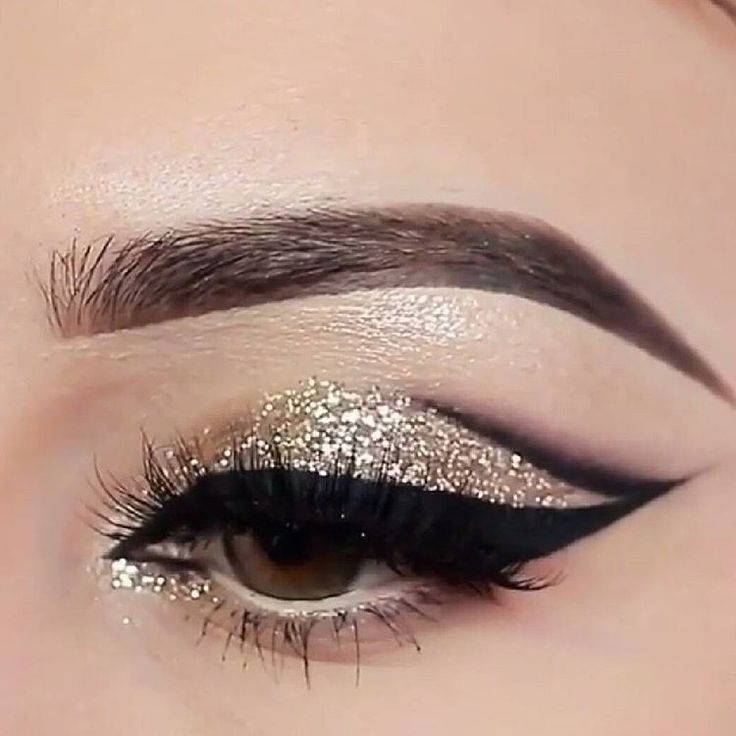 #glitter gold and black #eyemakeup @stylexpert