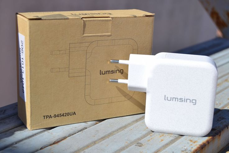 Review PowerBank 10.400mAh y cargador con 4 USB de Lumsing: http://www.androasia.es/miscelanea/powerbank-cargador-4-usb-lumsing/