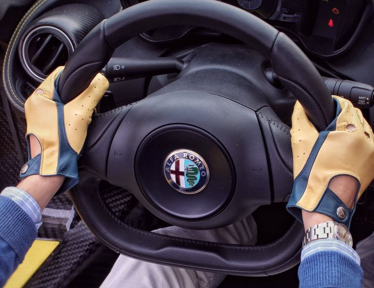 Drive in style with a firm grip on the wheel with the Heritage Driving Gloves by The Outlierman.