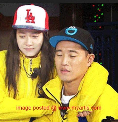 'MONDAY COUPLE' TINGGAL KENANGAN - SONG JI HYO AKUR   Semua sedia maklum mengenai pengumuman yang dibuat oleh salah satu bintang Running Man iaitu Kang Gary pada 25 Oktober lalu. Dalam kenyataan itu Gary menyatakan bahawa beliau akan meninggalkan program realiti popular terbitan SBS. Keputusan itu dibuat atas alasan dia mahu menumpukan pada kerjaya sebagai pemuzik. Sehari selepas itu Song Ji Hyo telah diminta berkongsi pandangan beliau tentang pemergian 'Pasangan Isnin' nya (Monday Couple)…