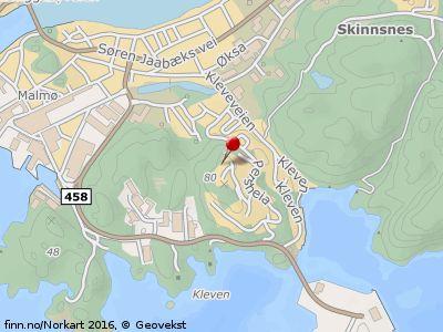 Fin enebolig med hybelleilighet på flott utsiktstomt øverst i Klevåsen. Meget solrik del av Klevåsen. Grense til friområde.