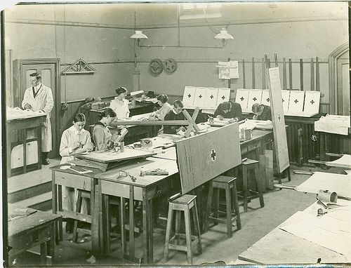 Red Cross Students 1915 - 1910s vintage, Geelong, Australia #tafe #education #learning