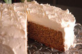 Da prøver vi igjen, endrer favoritt-kake-oppskriften igjen - og denne gangen til gulrotkake... Hallllllleluja, jeg er i himmelen! Ja, sååå...