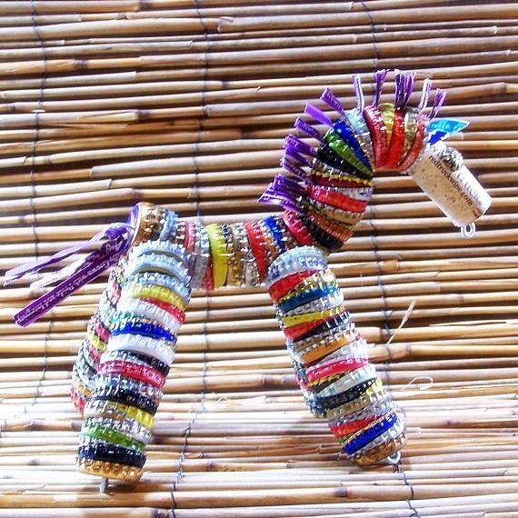Paardje van kroondoppen (meer creaties van kroondoppen)