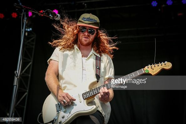 480559438-seamus-coyle-of-sticky-fingers-performs-on-gettyimages.jpg (594×396)