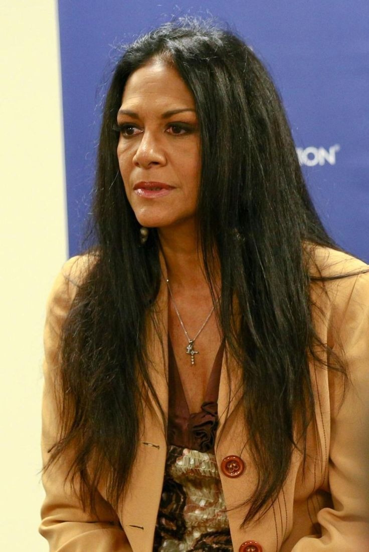 Sheila E. describes in her memoir the moment when her niece, Nicole, was adopted by Lionel Richie.