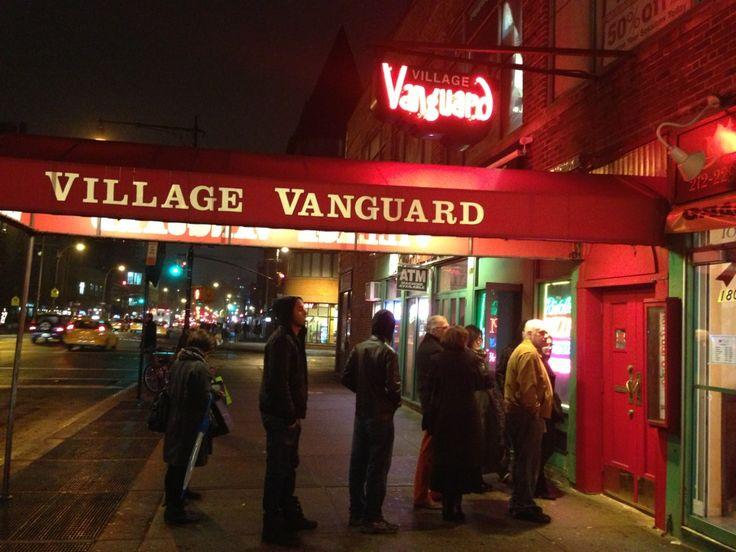 Village Vanguard in New York, NY. Jazzclub. Miles Davis spielte hier.