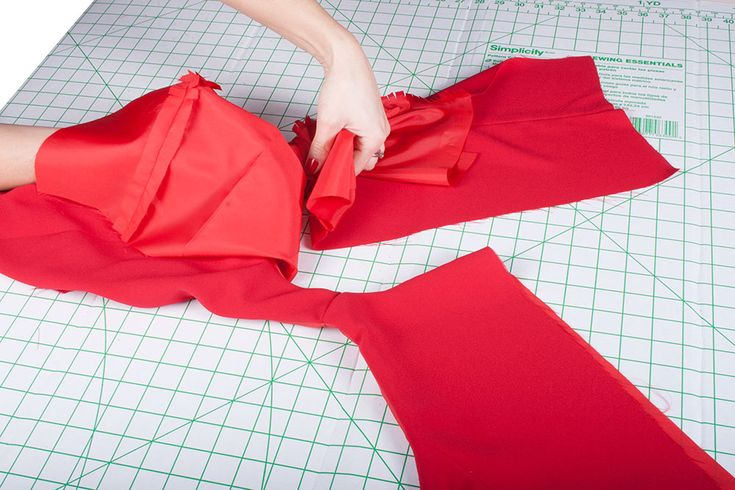How to Line a Sleeveless Top or Bodice / Sew Essential Blog | Sew Essential