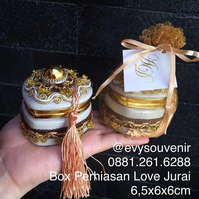 Souvenir Box Perhiasan Love Jurai, Untuk Detail dimohon melihat pict sebelumnya  #readystock 1.440pc
