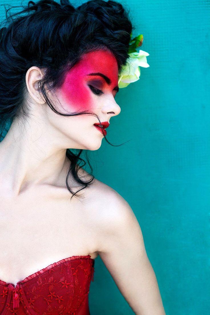 MUA: Diana Enaiche Make-up Artist | Photography: Raluca S Photography | Model: Madalina Sinoae  | www.dianaenaiche.com |