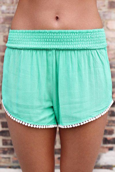 Mint Crochet Linen Shorts | uoionline.com: Women's Clothing Boutique