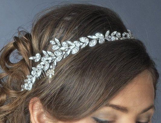 Hey, I found this really awesome Etsy listing at http://www.etsy.com/listing/175977157/bridal-headband-wedding-headpiece