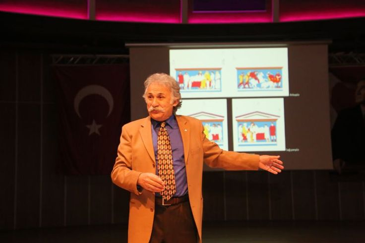 Prof. Dr. Fahri Işık Hekatomnos Lahdini anlattı