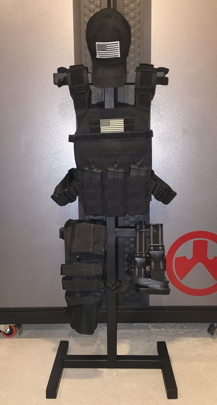 My new light weight load out.  Half the weight as my full vest but still plenty of punch. 3 Pmags + 1 in the rifle = 120 rds of 5.56  5 17 rd Glock mags + 1 in the hand gun = 102 rds 9mm