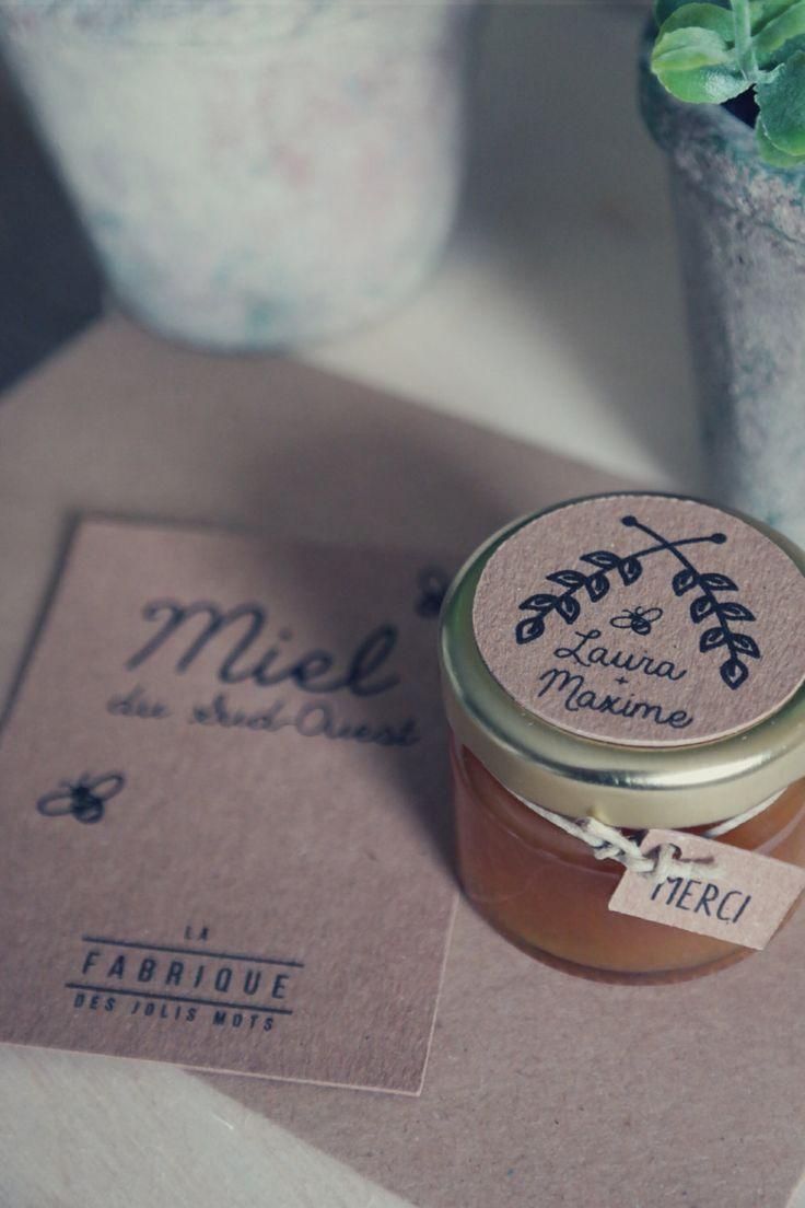 Cadeaux invités : petit pot de miel 30 gr personnalisé de la boutique Lafabrique31 sur Etsy