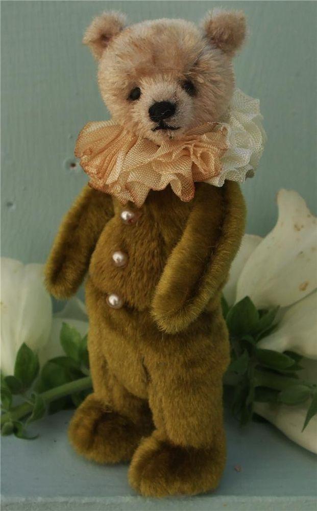 "wee scone  miniature bear "" Frivolity """" 4.25 inch"