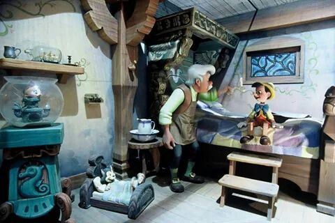 Geppetto's home | Pinnocchio attraction | Fantasyland | Disneyland Paris