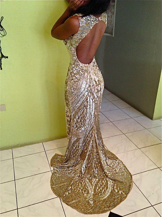custom liquid gold sequin gown weddingdress sobiks ideaalselt sinise ülikonnaga ning erksate lilledega, anniversary idea