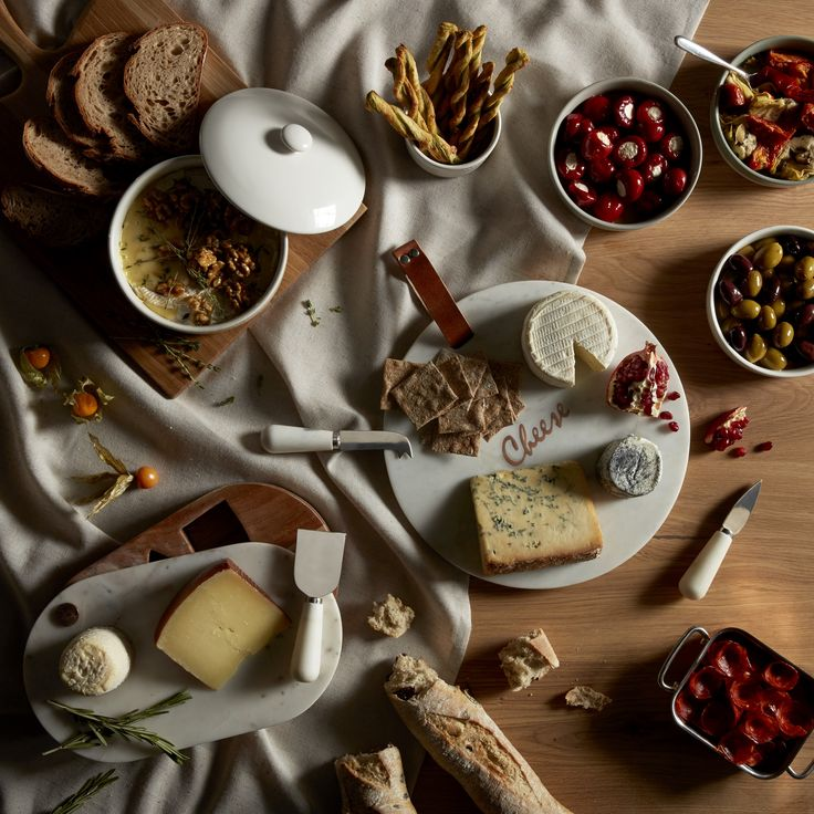 That most delicious of combinations, cheese and wine make a great Christmas gift for loved ones or yourself. Find the right glasses to savour red or white, and a board to present a handful of delicious cheese choice for effortless entertaining.