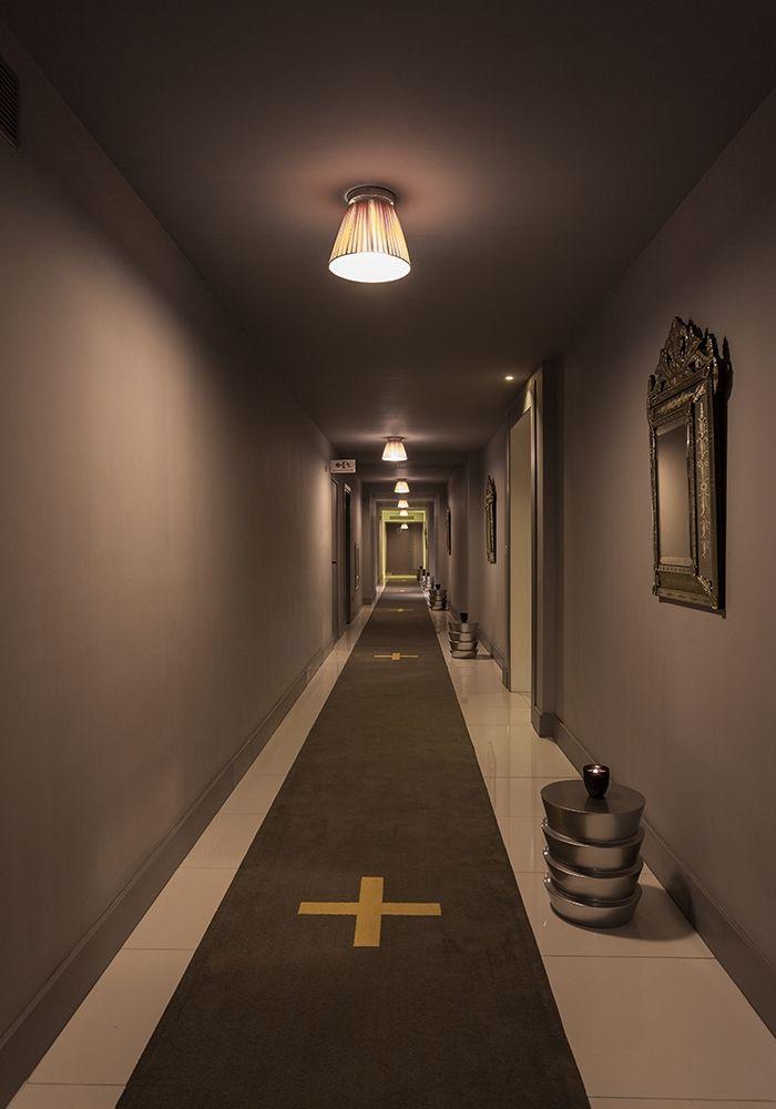 Starck yoo panama corridors pinterest for Cama 0 90 x 1 90