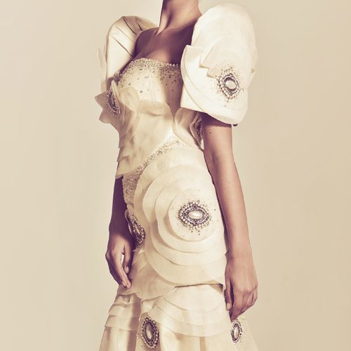 What an inspired & modern take on a Traditional Filipino Wedding Dress.