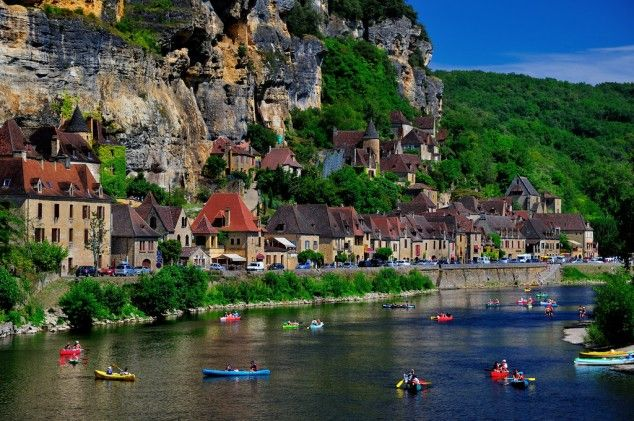 Visit The Most Beautiful Villages In Europe La Roque Gageac France A Beautiful Village In