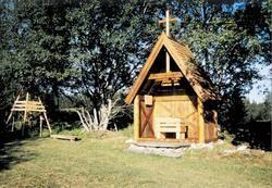Mariakilde og Mariaalateret ligger i nærheten av hverandre ved gården Volden Øvre, ca 1 mil sør for Hommervik i Malvik kommune, Trøndelag.