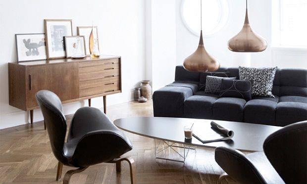 In the center of Stockholm, the home of creative director of a well known fashion brand is furnished with industrial elements and design pieces fifties. Brigitta Wolfgang Drejer