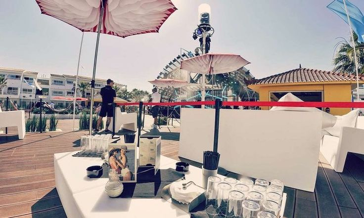 Kaliteli ve Dekoratif Cafe Şemsiyesi, Otel Şemsiyesi, Restaurant Şemsiyesi, Plaj Şemsiyesi, Beach Club Şemsiyesi, Güneş Şemsiyesi, Bahçe Şemsiyesi, Teras Şemsiyesi, Konsept Şemsiye, lüks Şemsiye, Kare Şemsiye, Şemsiye modelleri, şemsiye markaları, Yandan Ayaklı Şemsiye, modelleri, fiyatları ve markaları Lara Concept 'de✌️️ İzmir, İstanbul, Antalya, Bodrum, Çeşme, Alanya, Kıbrıs, Ayvalık, Bursa, Ankara, Alaçatı